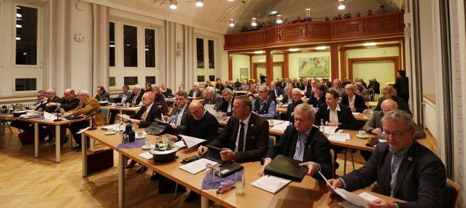 """AK """"Zukunft & Politik"""" – Exklusiver Dialog mit Friedhelm Spieker + Besuch des Kreistages in Höxter"""