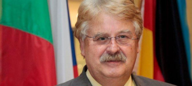 """Ressort """"Zukunft & Politik"""" – Themenabend """"Europa"""" mit Elmar Brok MdEP"""